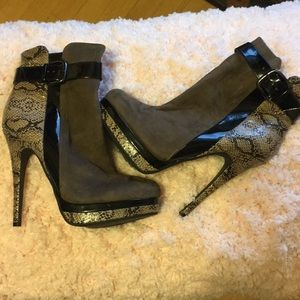 Snakeskin and suede booties